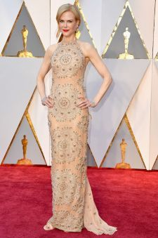 Nicole Kidman - Armani Privé dress & Stuart Weitzman shoes