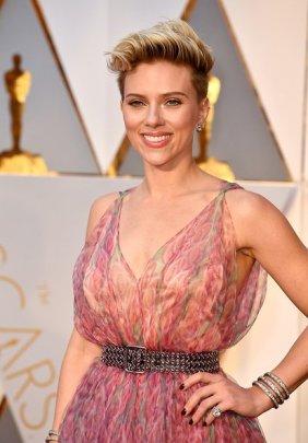 Scarlett Johansson - Azzedine Alaïa dress & Fred Leighton jewellery
