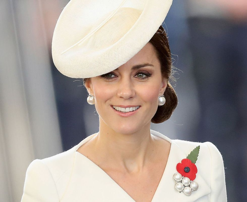 b2d9a1ac54bb How to dress like Kate Middleton